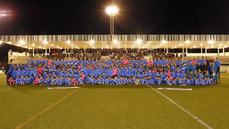 """230 futbolistas que integran los 17 equipos """"blavets"""""""