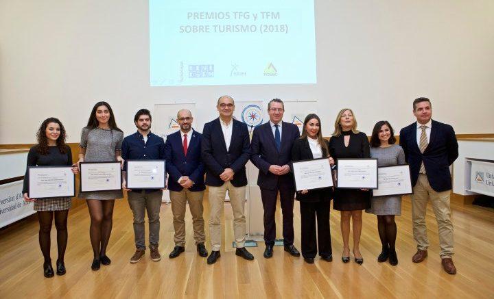 La Universidad de Alicante premia la excelencia en la investigación turística
