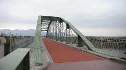 Fortaleny pone en servicio su 'nuevo' puente de hierro