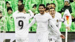 Un gol de Guedes en el descuento clasifica al Valencia CF para cuartos de la UEFA Europa League (1-1)